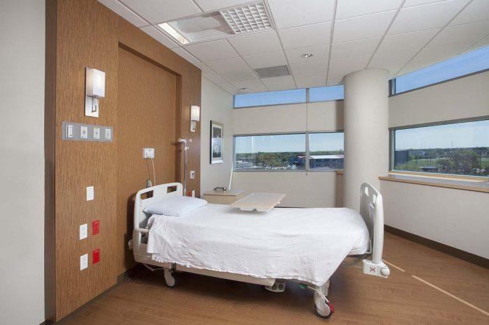 new-orleans-east-hospital-001-700×466